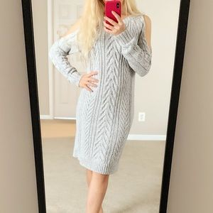 Midi sweaters dress with cold shoulders
